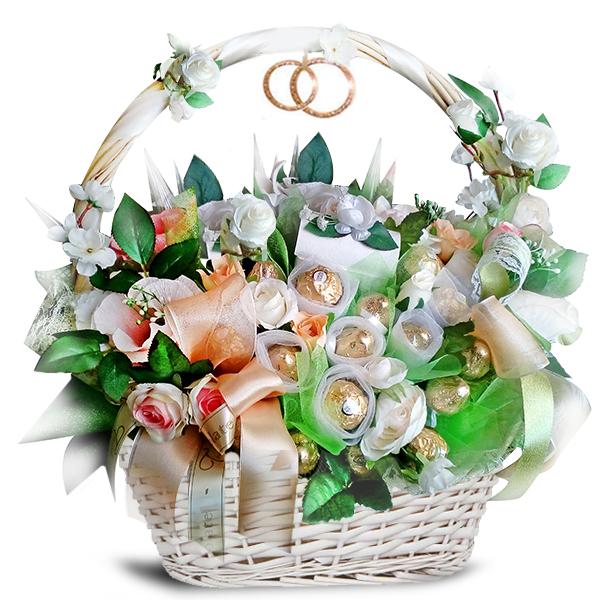 Букет с конфетами на свадьбу - с доставкой по Москве