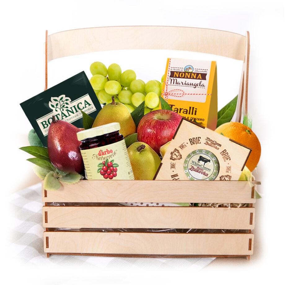 Корзина с фруктами и мармеладом - доставка по Москве